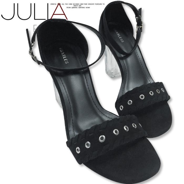 Giày sandal gót vuông GV630 đế trong quai ngang đục lỗ sang chảnh (kem, đen)